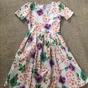 Gorgeous Floral LuLaRoe Amelia Dress 🌸